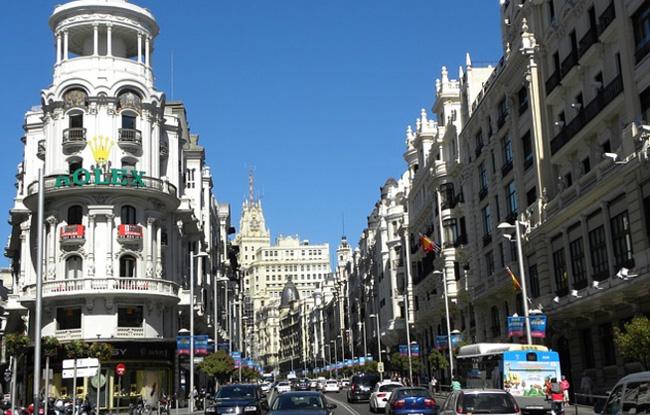 Madrid atrae más empresas extranjeras que Cataluña